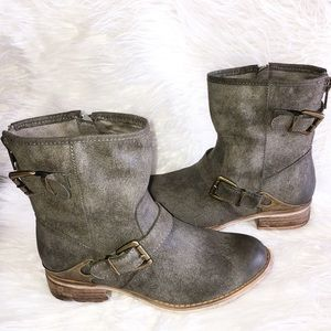 Mia Misty Distressed Buckled Boots